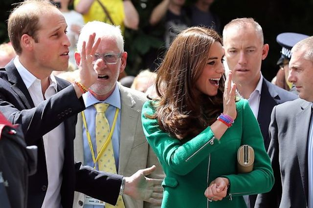 KATE & WILL WEARING LOOM BANDS AT TOUR DE FRANCE