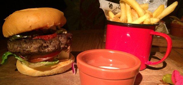 revolucion de cuba tyler burger wars headline