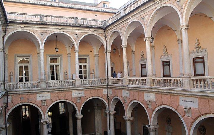 genoa-courtyard