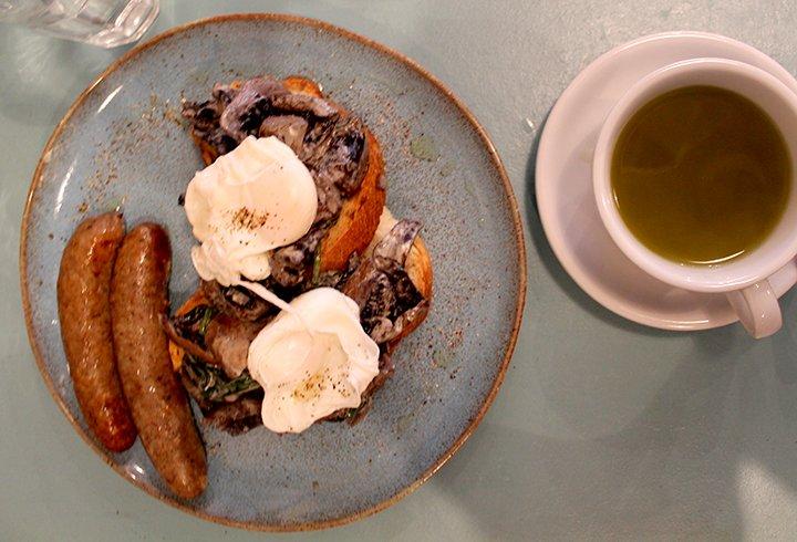 social-pantry-mushrooms-and-sausages