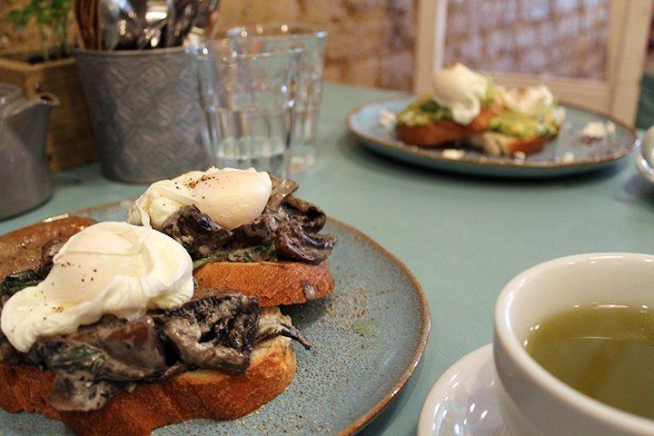social-pantry-mushrooms-on-toast