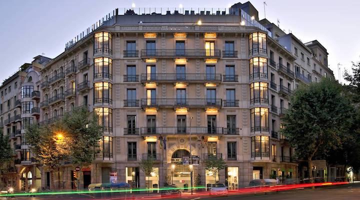 LGBT travel guide Barcelona - accommodation