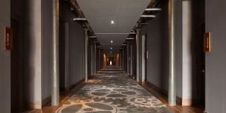 Titanic Hotel Liverpool hallway