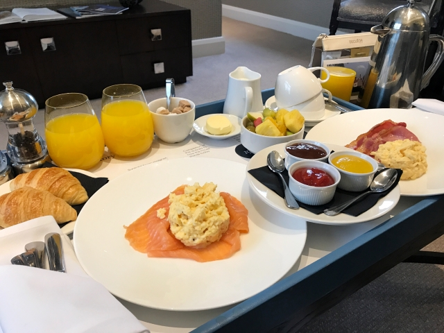 Stable Suite - breakfast room service