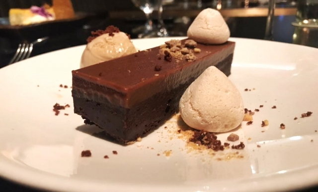 Avenue Restaurant - dessert - Chocolate brownie with peanut butter ice-cream