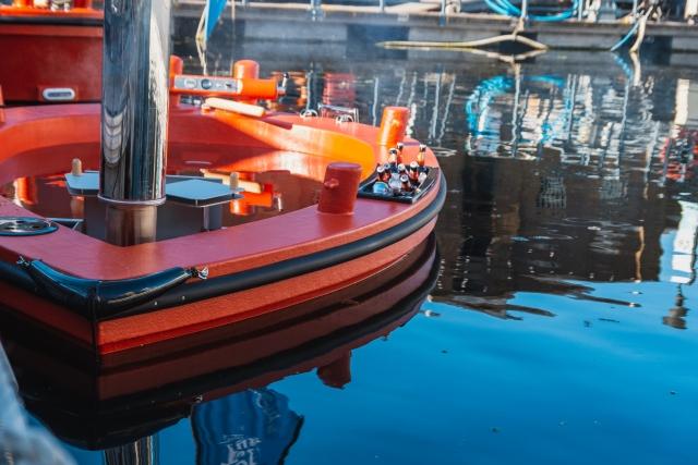 HotTug UK floating hot tub London