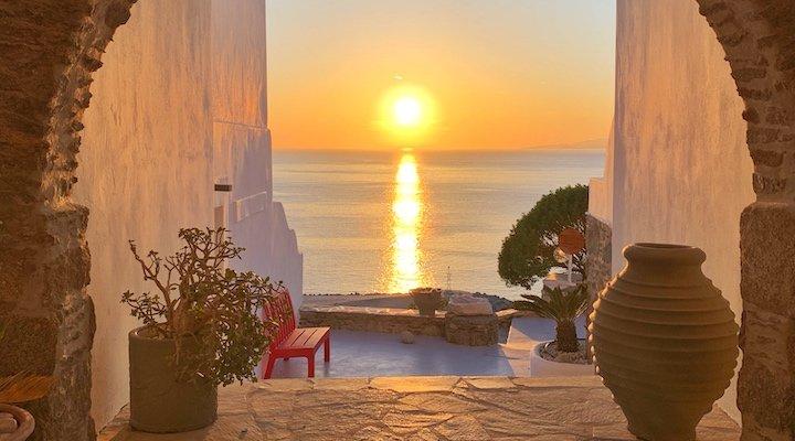 Kouros Hotel & Suites feature image