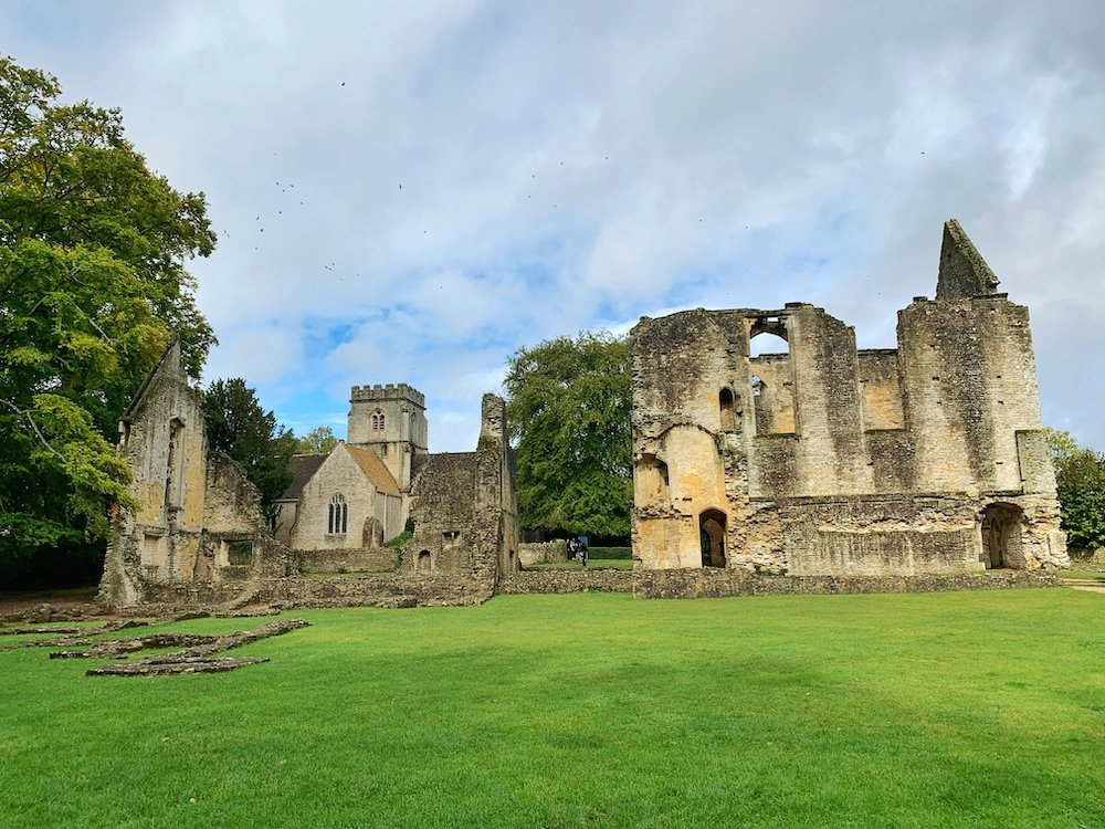 Rabbie's uk tour Minster Lovell Hall ruins Cotswolds