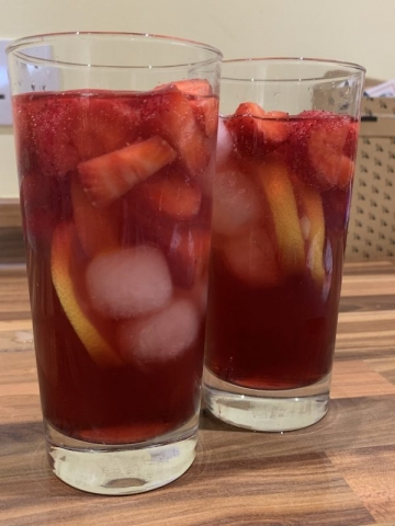Bird & Blend Tea - Strawberry Lemonade Iced Tea