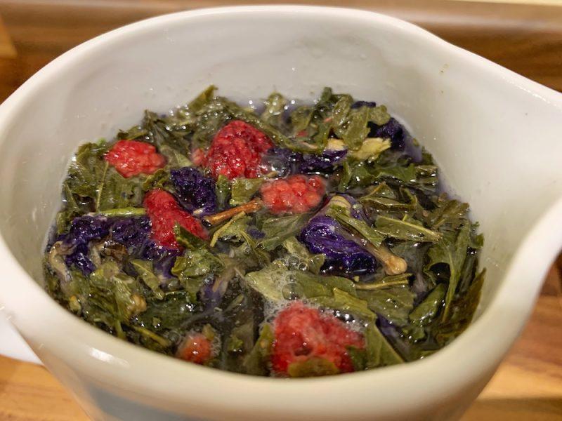 Bird & Blend Tea - Blue Raspberry tea brewing