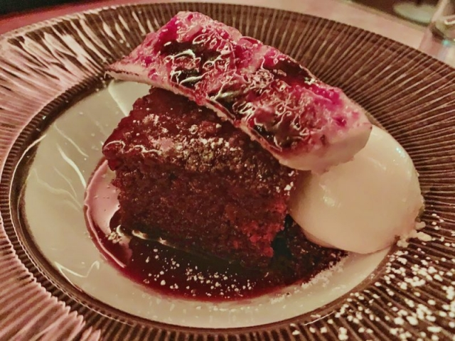 100 Wardour St - Sticky toffee pudding