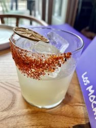 Los Mochis restaurant Margarita cocktail